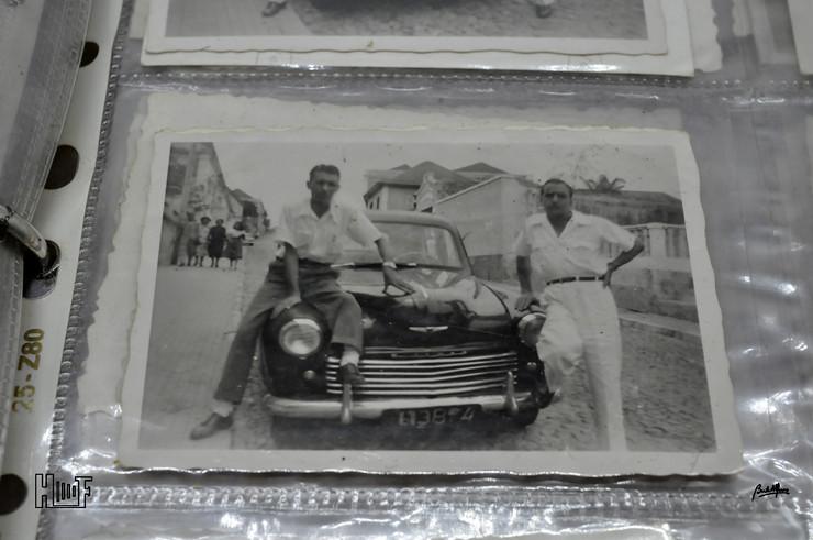 _DSC9161 Álbum em capa de argolas com 655 fotografias e mini-postais a preto e branco