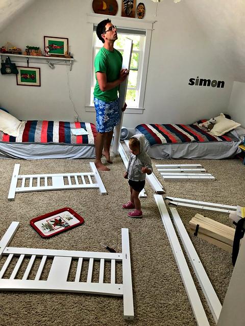 assembling twin beds