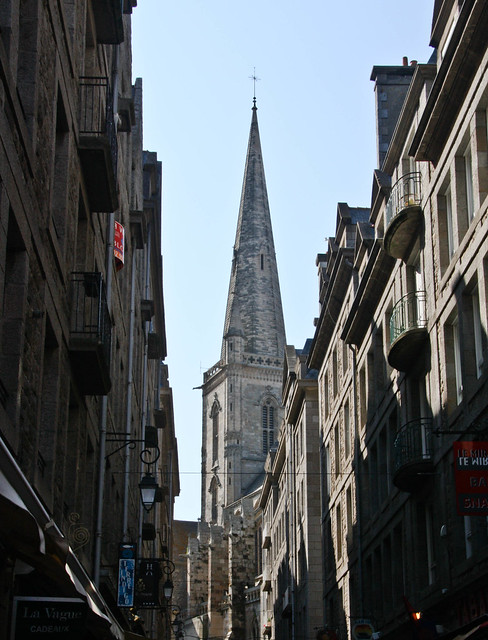 St Amlo - dans la ville