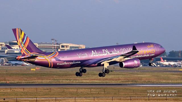 A6-AFA Etihad Airways Airbus A330-300