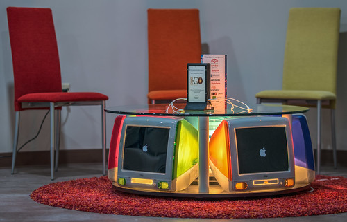 CMoA: Charging table made of generation 3 iMacs - 2019-07-20_34