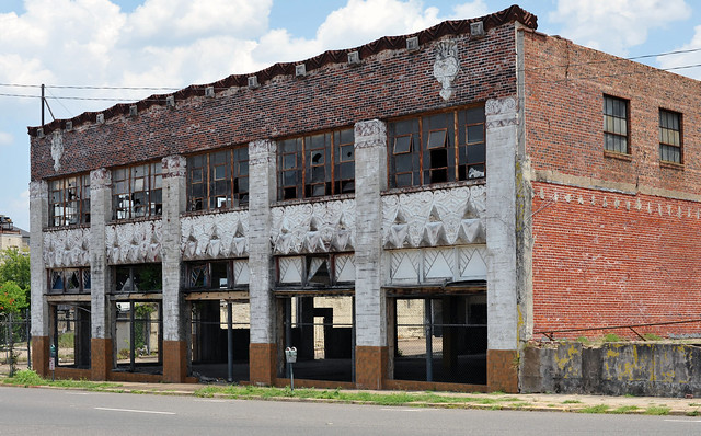 Abandoned Auto Dealership - Shreveport,Louisiana