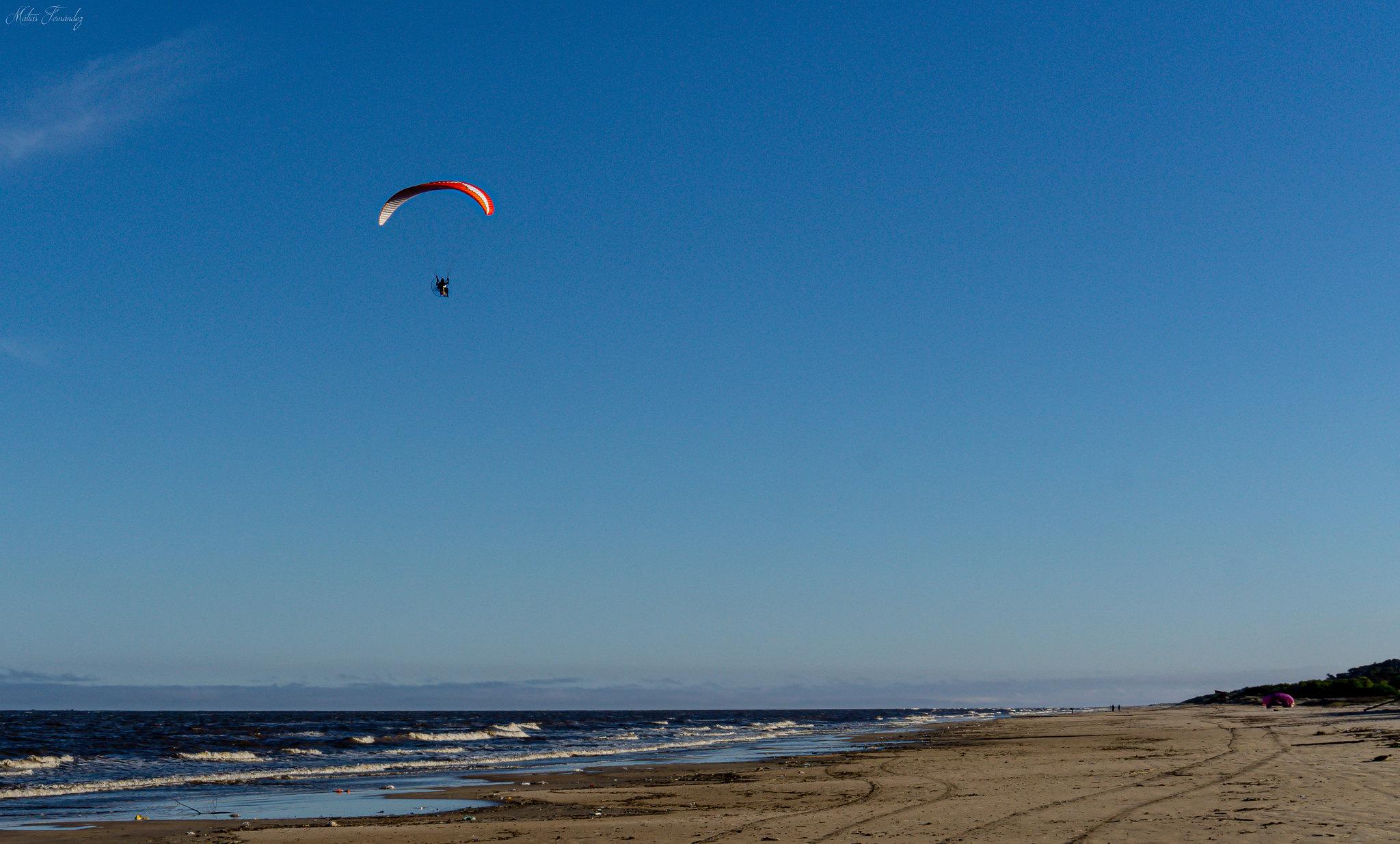Día de longboard y paisaje costero. en Paisajes48390280747_908a4fe40f_k