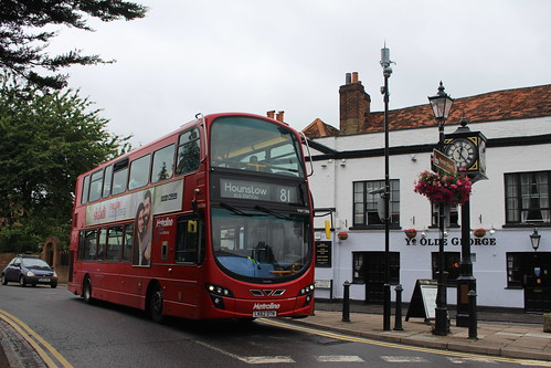 Metroline VW1386 on Route 81, Colnbrook