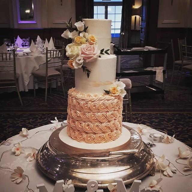 Cake by KD Cake Design