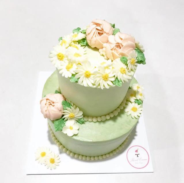 Cake by Floral Cream Cake Design