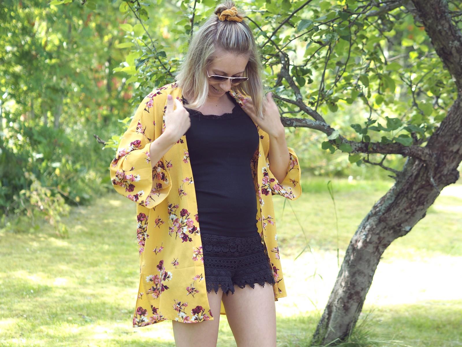 flower kimono outfit