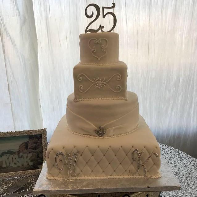 Cake by Casa de Cake