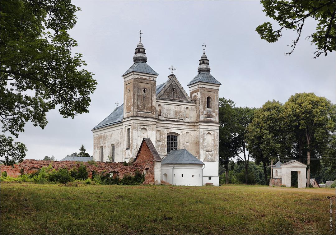Засвирь, Беларусь, Костел Троицкий