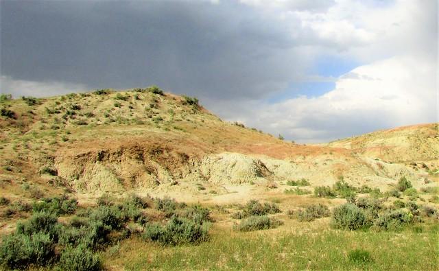 Range meets the badlands 4149