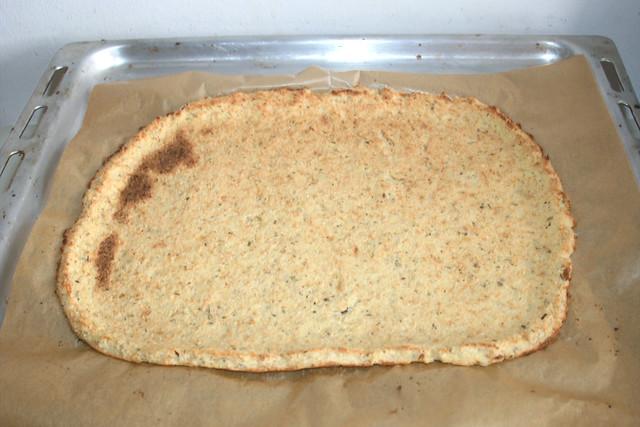 18 - Vorgebackener Pizzaboden / Pre-baked pizza base