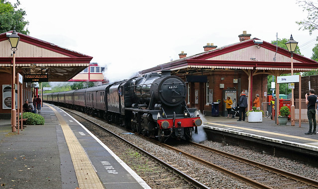 8F 48151 passes Shirley on 28 July 2019