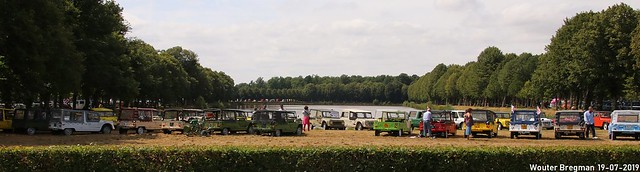 A lot of Citroën Méhari's