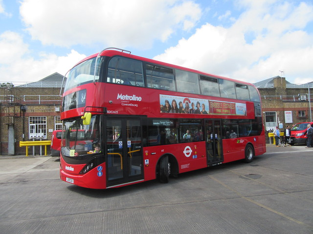 2019 BYD DD ELECTRIC E400 EV CITY - METROLINE BDV2625 - POTTERS BAR 20 JULY 2019