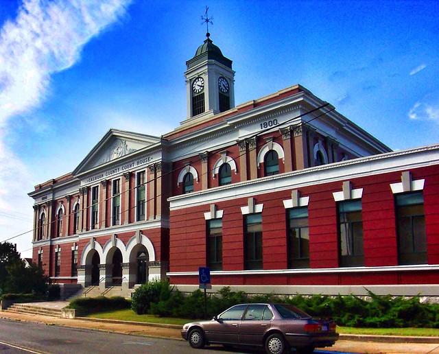 Calhoun County Courthouse - Anniston Alabama - Historic  Building