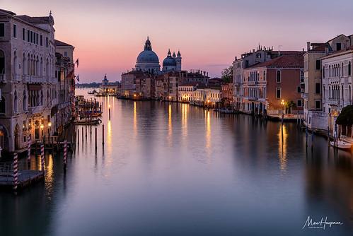 venice venezia italia italy populardestinations canalgrande dawn morningmood longexposure nikon travelphotography marchaegemanphotography
