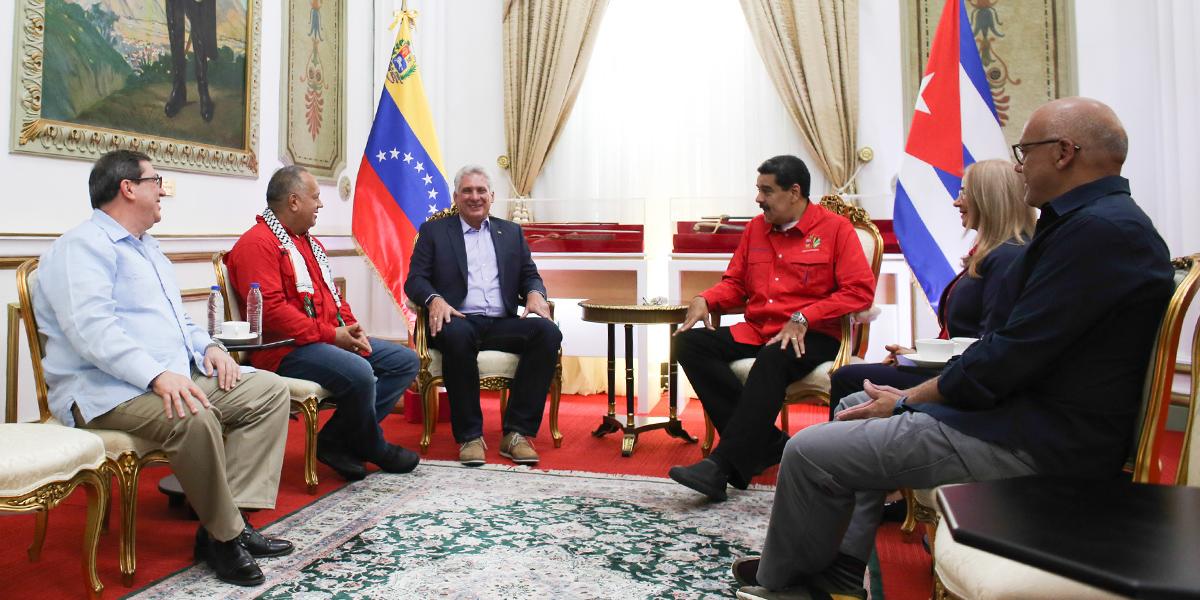 Presidente Nicolás Maduro sostiene encuentro bilateral con el presidente de Cuba