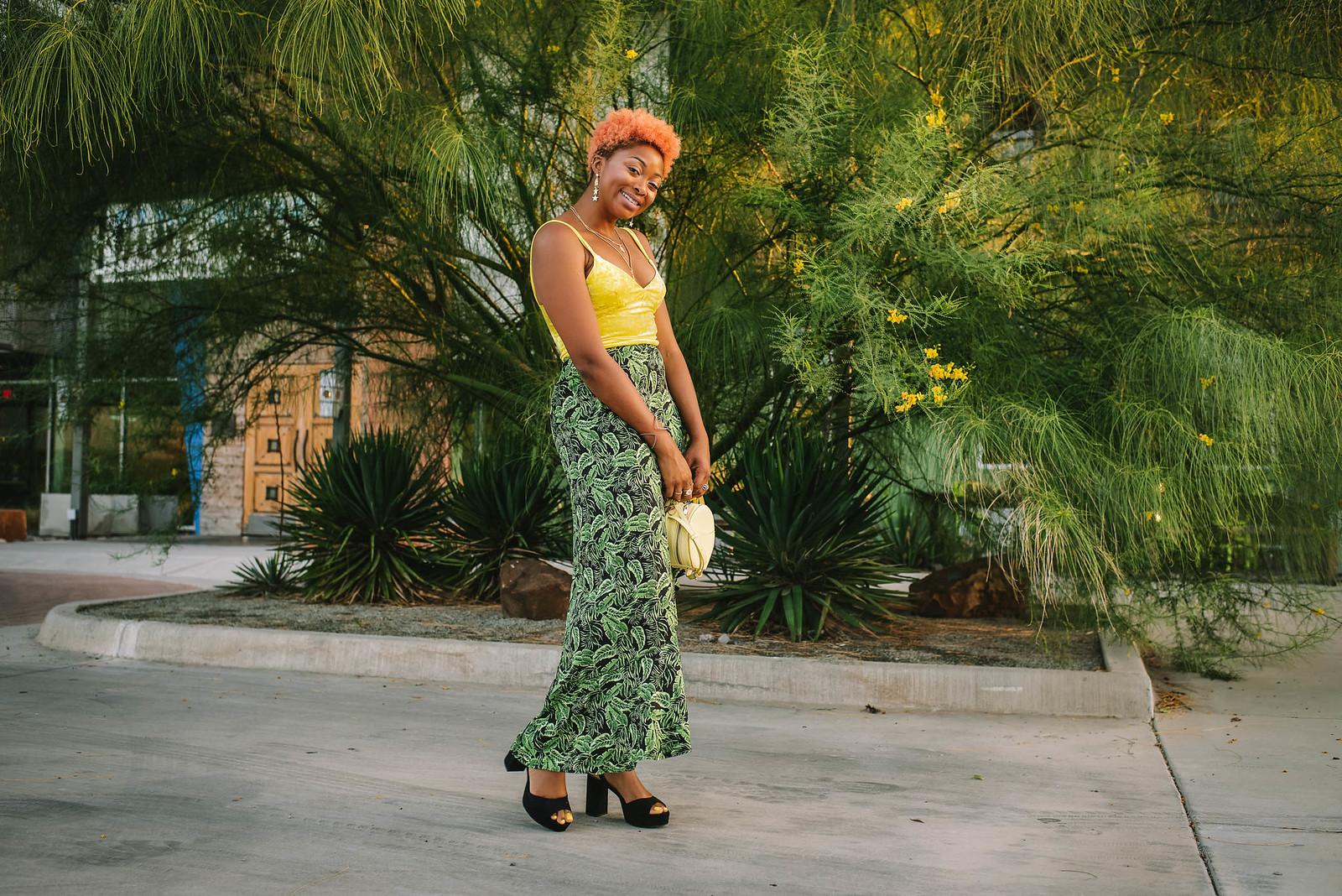 how to wear a leaf print skirt