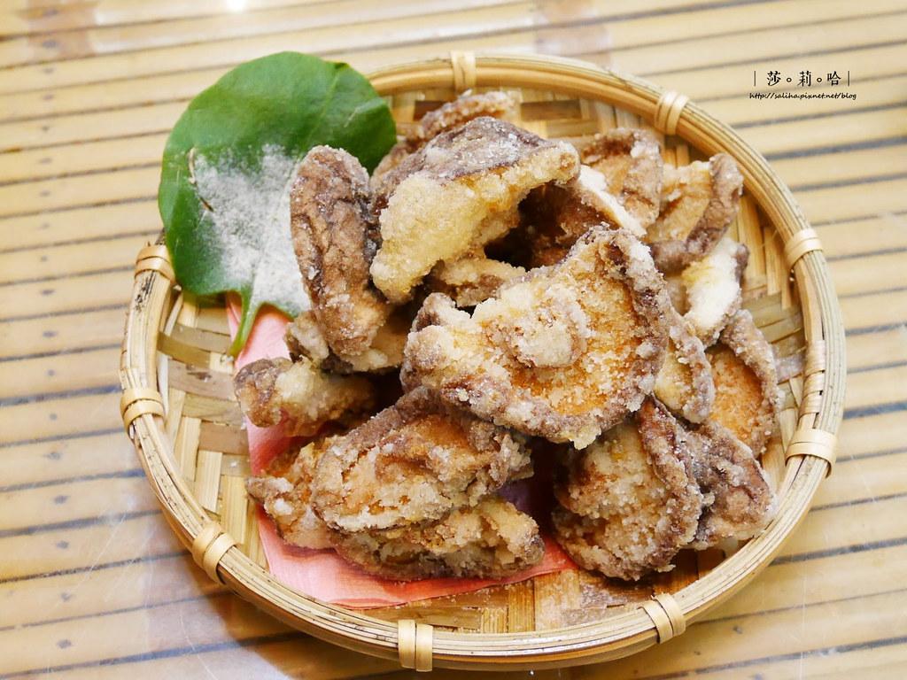 新北烏來老街平價山產料理餐廳推薦泰雅婆婆美食店全素料理