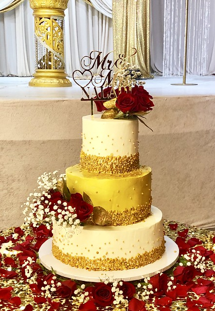 Gold and White Wedding Cake with Fresh Flowers by Jyoti Singh of Celebrate with My Cake