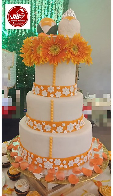 Cake by Anne Paya