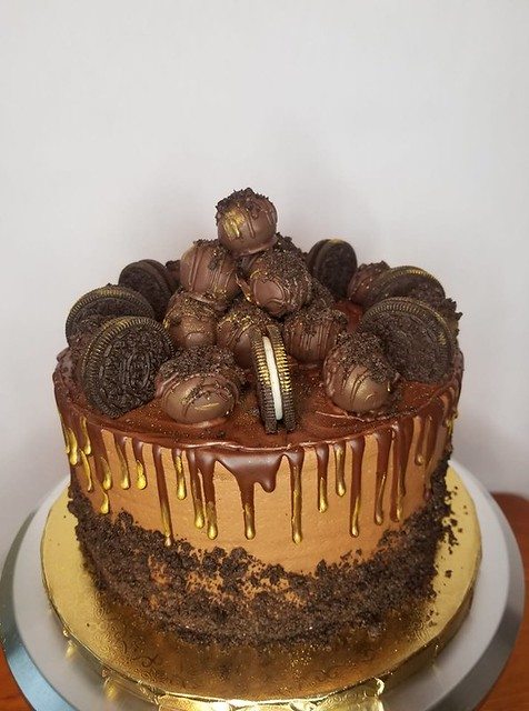 Cake by Thearla Kozy of Kozy Delites