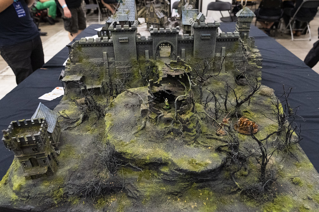 Amazing Diorama Table