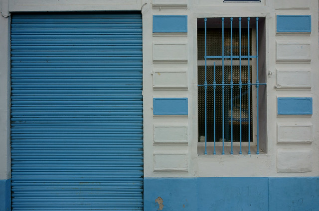 Casa blanca y azul . Blue and white house. Casa bianca e celeste (Fragments of Valencia)
