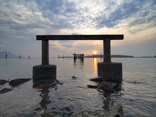 lumut perak malaysia travel place trip sunrise seascape shoreline coastline cloud sea sky canon eos700d canoneos700d canonlens 10mm18mm wideangle happyplanet asiafavorites