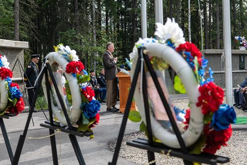 📷 Governor Dunleavy Honors Fallen Public Servants – Michael