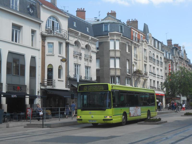 Reims bus 48406189751_14072b524b_c