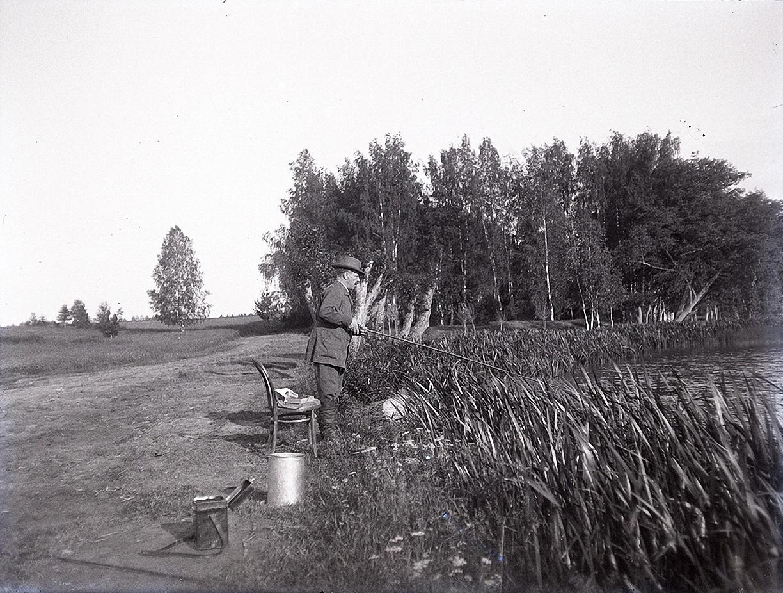 07. 1897. Федор Николаевич Щербачев на рыбалке. Химкинская станция