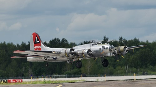 Boeing B-17G Flying Fortress, 2019 Duluth MN (DLH) Air Show   Yankee Lady N3193G