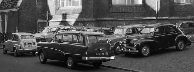 XT-73-72 Opel CarAVan P1 1958 XT-51-66 Fiat 600 D 1958 ND-55-90 Peugeot 203 Berline 1951
