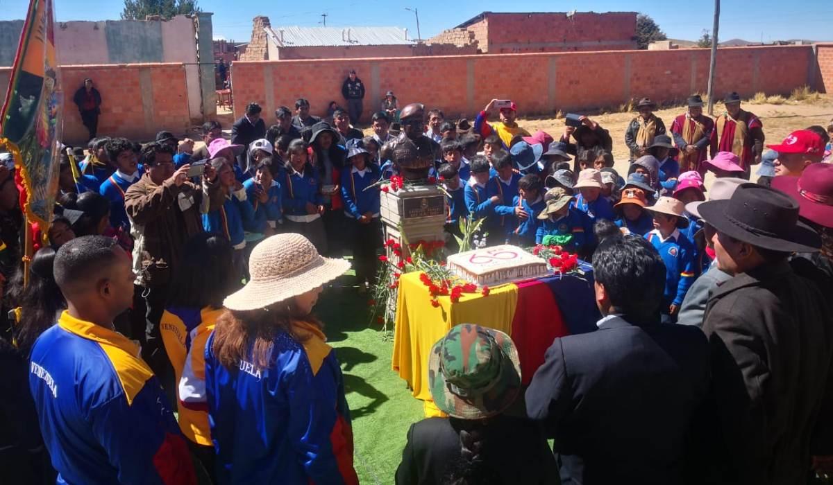 Pueblo boliviano destaca las enseñanzas del Comandante Hugo Chávez