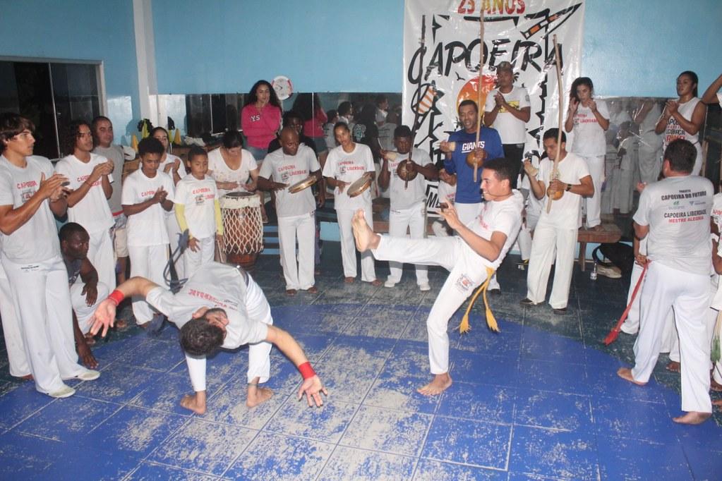 Capoeira Liberdade promove intercâmbio cultural com alunos do projeto Capoeira do Futuro (16)