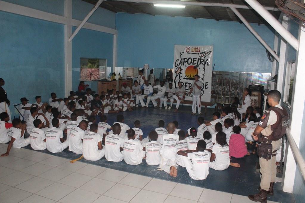 Capoeira Liberdade promove intercâmbio cultural com alunos do projeto Capoeira do Futuro (2)