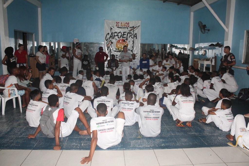 Capoeira Liberdade promove intercâmbio cultural com alunos do projeto Capoeira do Futuro (17)