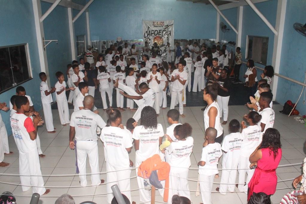 Capoeira Liberdade promove intercâmbio cultural com alunos do projeto Capoeira do Futuro (14)