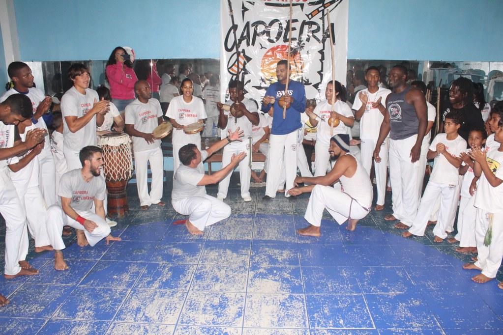 Capoeira Liberdade promove intercâmbio cultural com alunos do projeto Capoeira do Futuro (13)