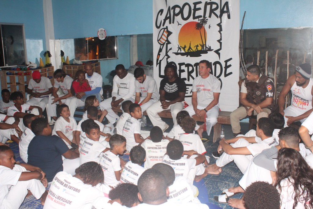 Capoeira Liberdade promove intercâmbio cultural com alunos do projeto Capoeira do Futuro (9)