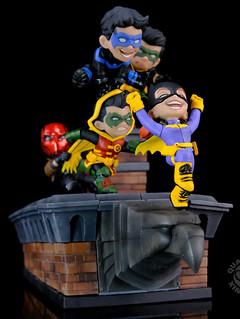 淘氣值、可愛度都大滿分! Quantum Mechanix Q-Master 系列 DC Comics【高譚屋頂上】Gotham Rooftop Limited Edition Q-Master Diorama