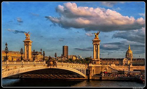Paris_Seine_Pont Alexandre III_Invalides_Tour Montparnasse_7e Arrondissement de Paris