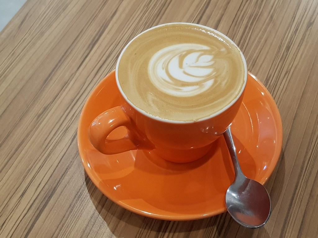 拿铁咖啡 Latte $10 @ Wake me Up SS2