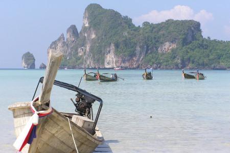 Thajsko každoročně láká turisty z celého světa, a to ať už na přírodní krásy, nádherné pláže nebo architektonické skvosty. Na výběr je toho v jihovýchodní Asii opravdu dostatek. Co si z toho množství vybrat a jaké pa...