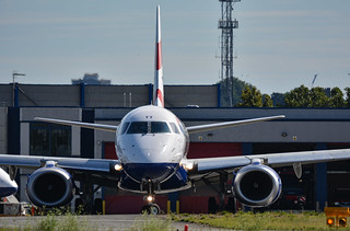 British Airways Embraer ERJ190SR G-LCYY