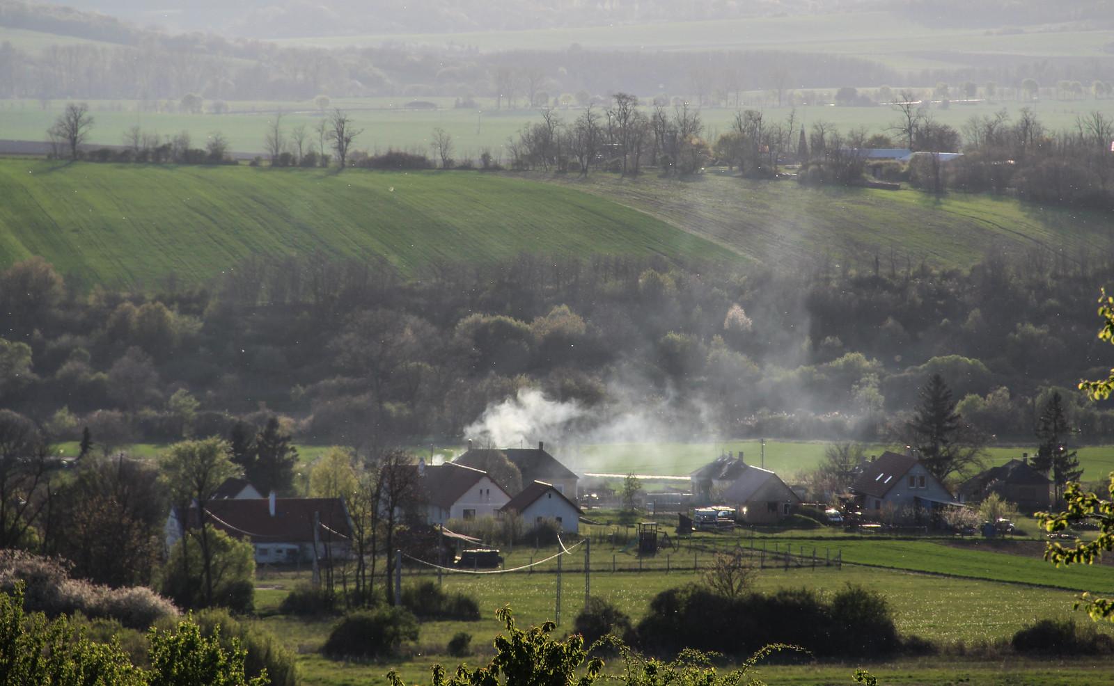 A kéményfüstben lévő szén-dioxidot alakítják hasznos anyaggá az SZTE kutatói