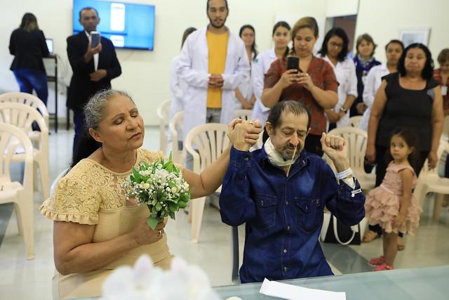 Paciente se casa no Hospital de Apoio e realiza sonho de 21 anos