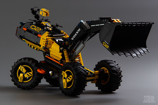 LEGO Technic 42081 Review-1 | by DoubleBrick.ru