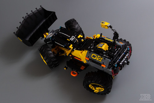 LEGO Technic 42081 Review-19 | by DoubleBrick.ru
